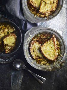 moeilijke namen van eten: Franse uiensoep