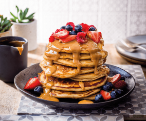 american pancakes met pindakaas