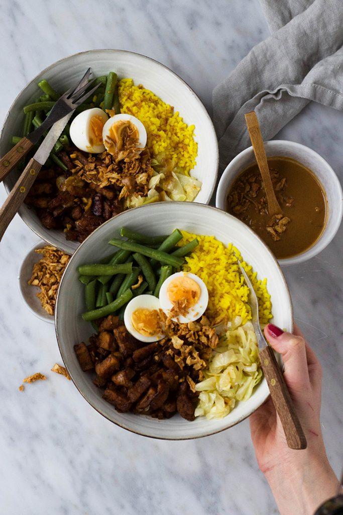 Gadogado met gemarineerde tempeh en satésaus van Feelgoodbyfood