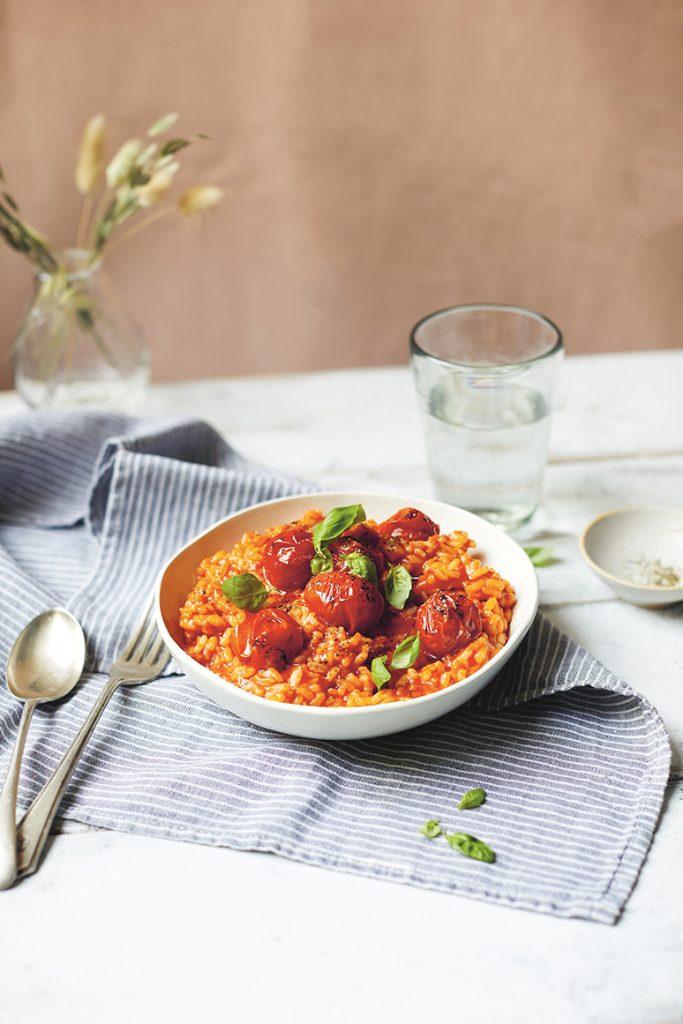 Vegan risotto met geroosterde cherrytomaten