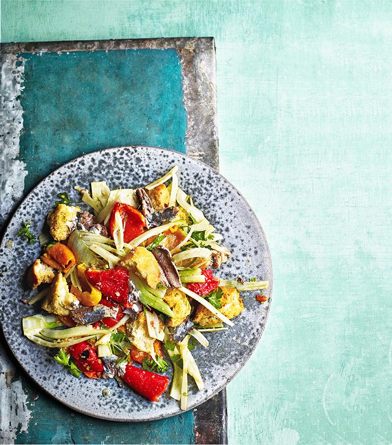 Sardinesalade met geroosterde paprika