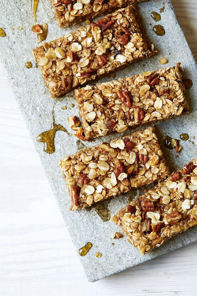 Weekendbaksels 5 ingrediënten vegan Banaan-havermoutrepen met pecan en kaneel