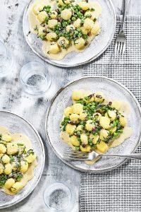 Gnocchi met doperwten, parmezaan en spekjes