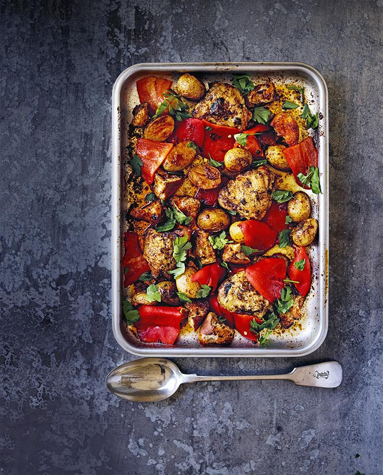 Kip uit de oven met geroosterde paprika