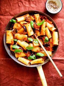 Rigatoni alla norma snelle pasta