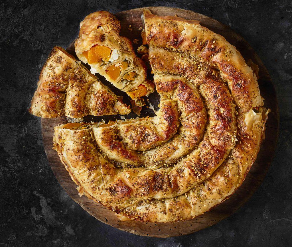 Börek met geroosterde pompoen, feta en snijbiet