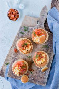 Foodies Friend Simone Ontbijtpasteitjes met roerei-zalm-tomaat-5