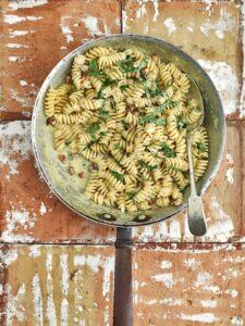 recept: Romige eenpanspasta met pancetta en parmezaan